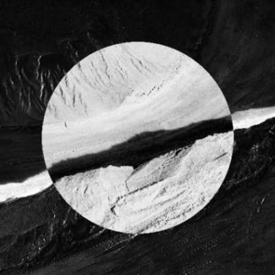 05-Invito-Noir-Blanc-18x18-M